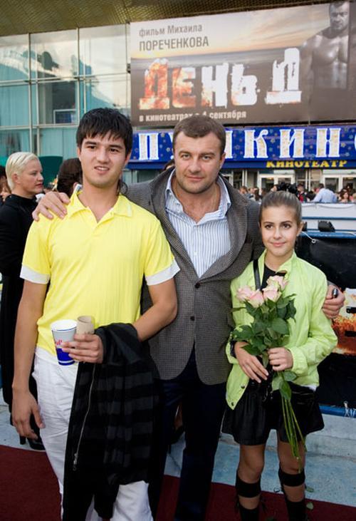 пореченков михаил фото с семьей